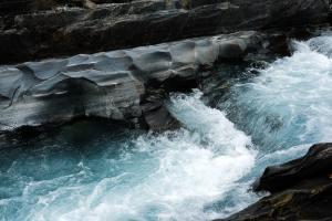 Jesus Offers Living Water